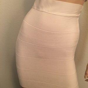 Bebe bandage skirt .small